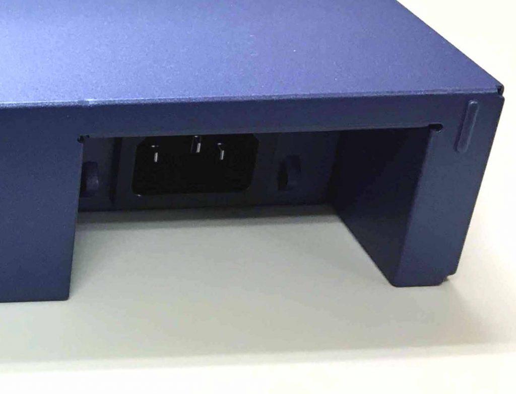 RX1210の電源コネクタ部分